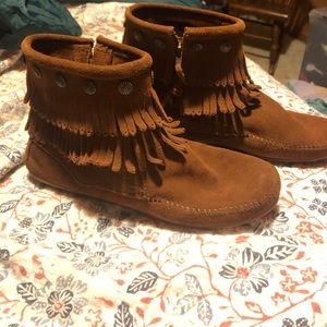 Minnetonka ankle boot moccasin